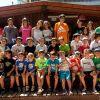Els nens i nenes de l'escola de tenis finalitzen el curs amb una sortida a Bosc Aventura