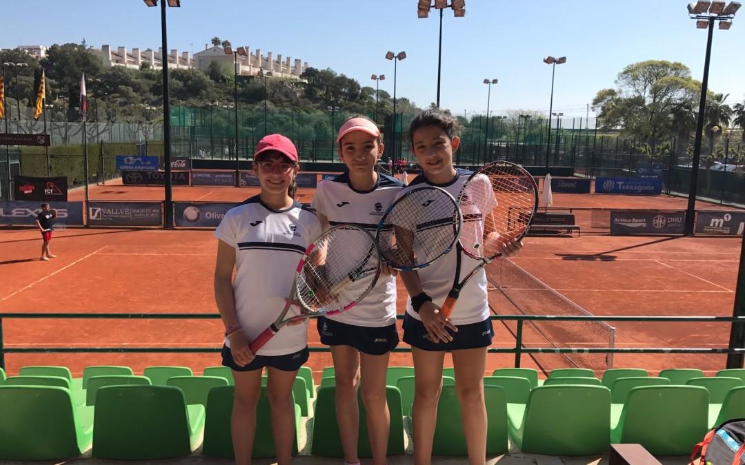 Empat de l'aleví femení contra el Tennis Tarragona en la Lliga Catalana de tennis