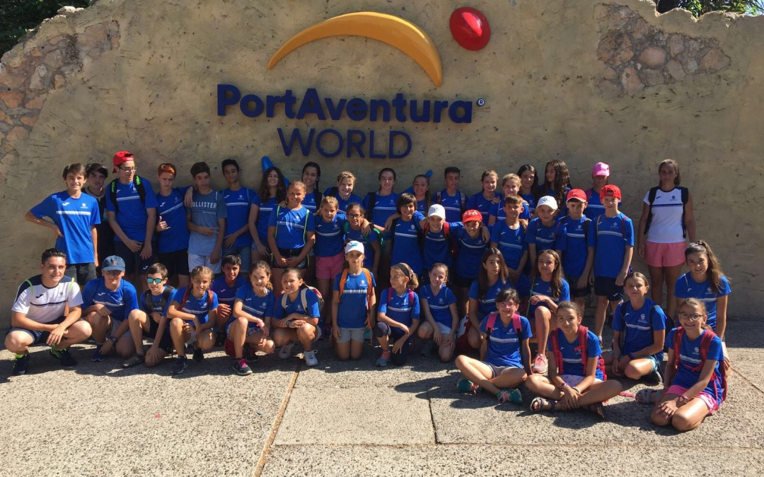Els alumnes de l'escola del Monterols celebren el final de curs a Port Aventura