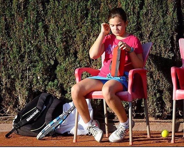 Violeta Angullo i Júlia Martí, entre les millors jugadores de Catalunya sub-11 de tennis