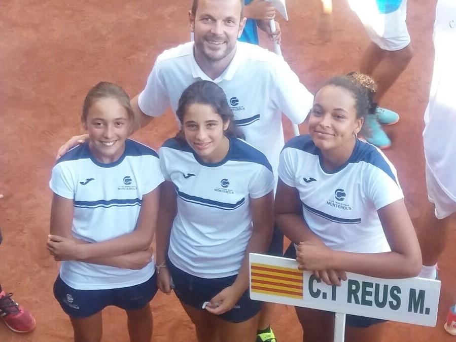 L'equip infantil femení de tennis del Monterols arriba a quarts de final del Campionat d'Espanya