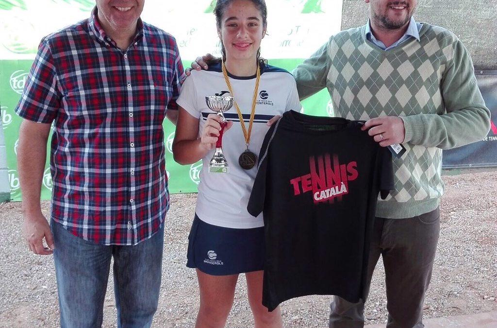 Ángela Pérez es proclama campiona provincial infantil de tennis