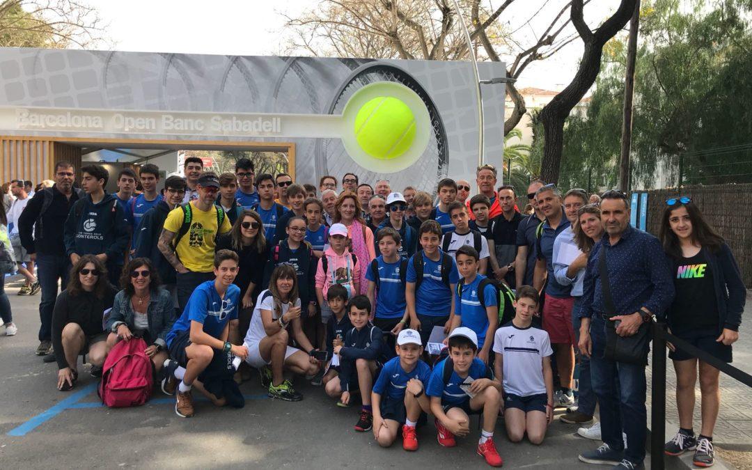 Els socis i sòcies del Club van al Trofeu Conde de Godó