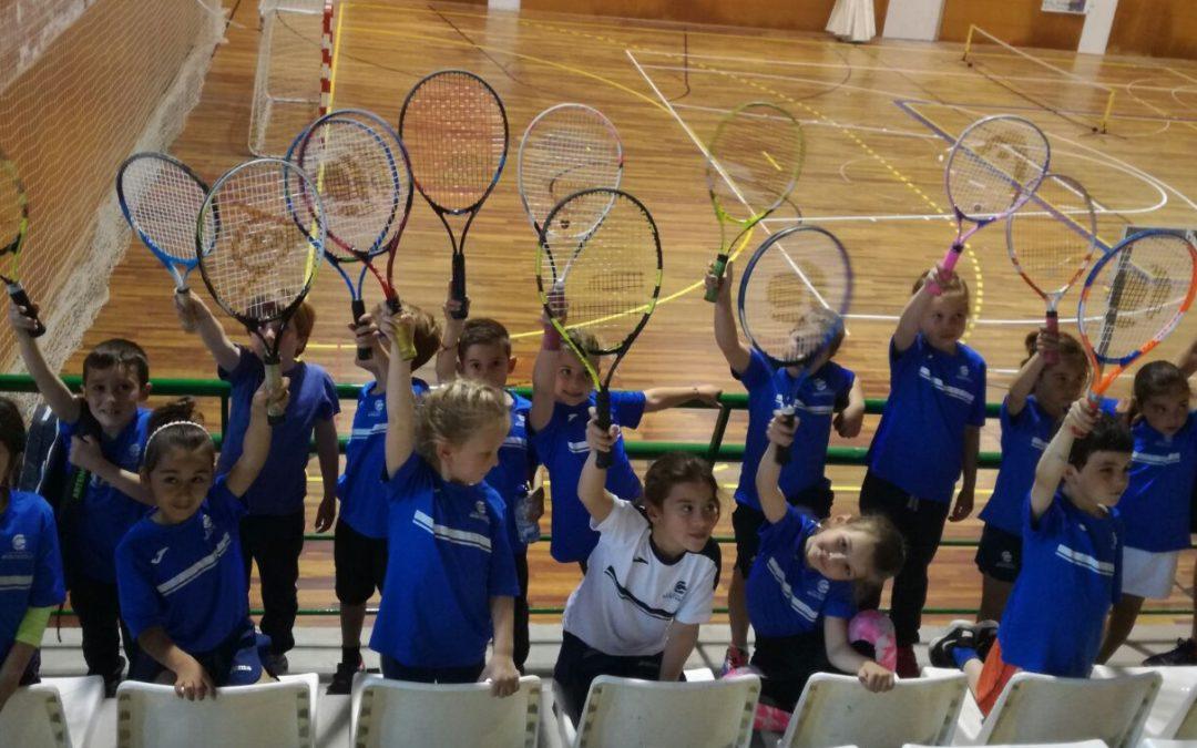 Trobada de mini tennis al CT Gimnàstic de Tarragona