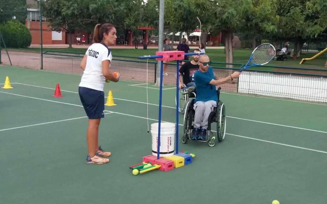 El Club Tennis Reus Monterols engega un nou projecte de tennis per a persones amb mobilitat reduïda