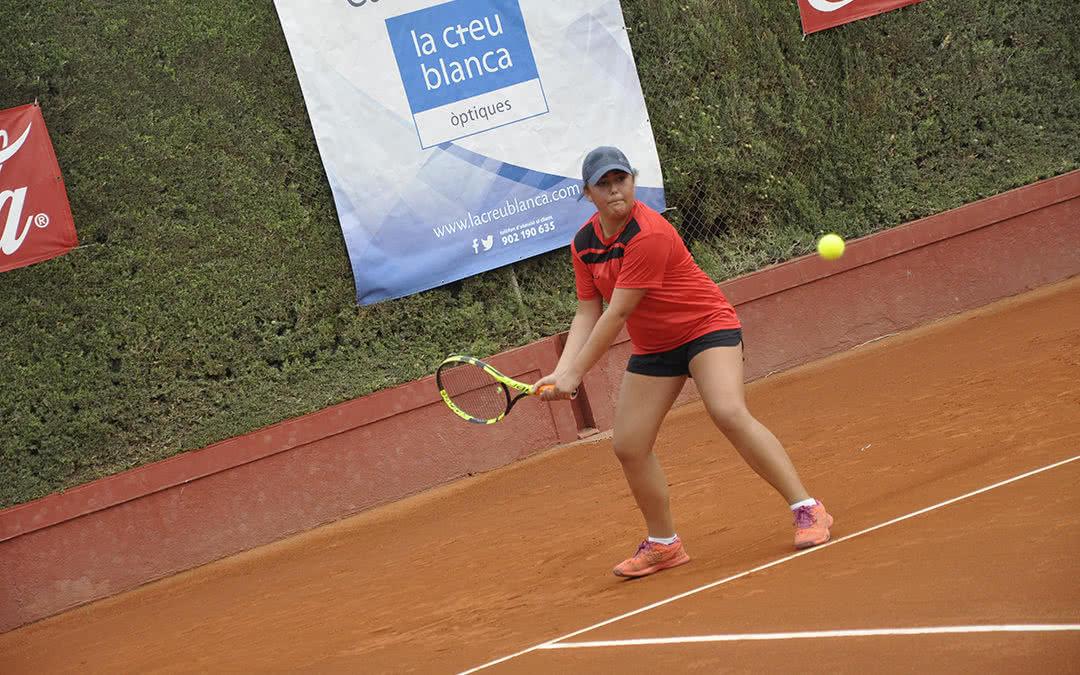 Arranca la XXXII edició del Trofeu La Creu Blanca del Monterols amb la participació de més de 100 tenistes juvenils