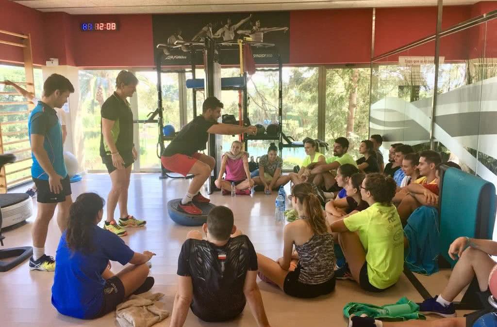 Alumnes de fisioteràpia de la URV imparteixen pràctiques del curs al Monterols