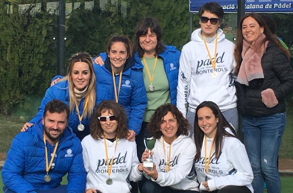 Les jugadores de l'equip Absolut Femení de pàdel es proclamen sots-campiones de Catalunya