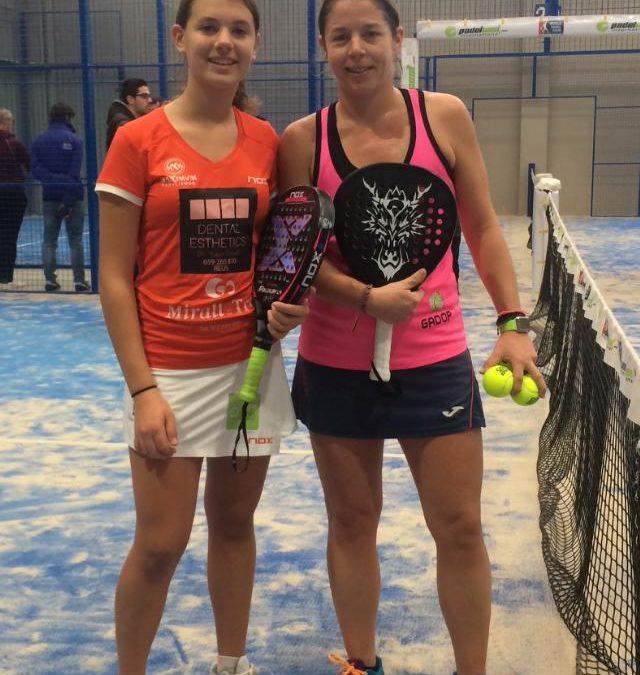 La jugadora de pàdel i sòcia Maria Freixas, campiona del Torneig Bronze de pàdel disputat al CUB Cambrils