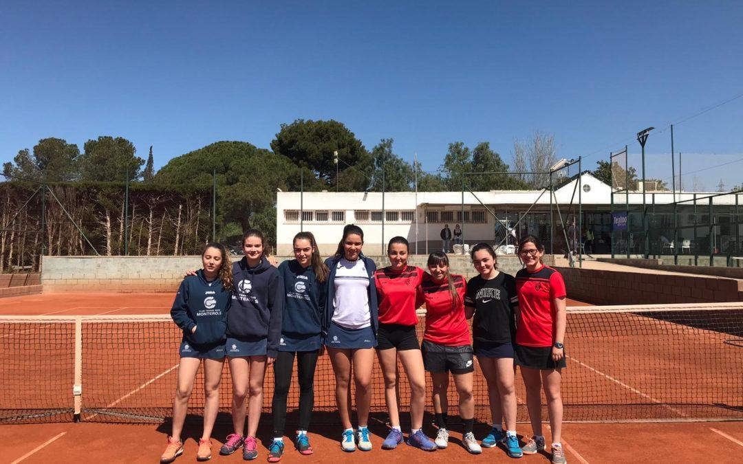 Cadets i Infantils de l'escola de tennis participen en una trobada amistosa al Reus Deportiu