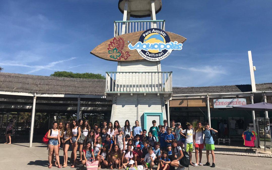 Els nens i nenes de l'escola de tennis i pàdel finalitzen el curs esportiu a l'Aquopolis