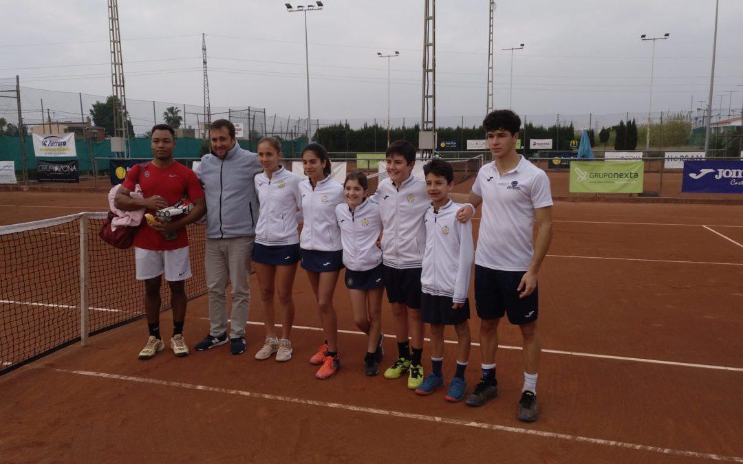 Jugadors del Monterols disputen el torneig de tennis de Nadal a Castelló