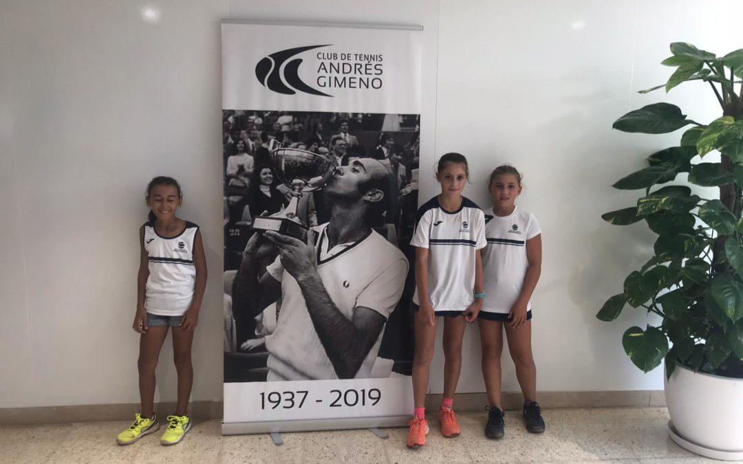 Victòria del Benjamí Femení B davant del CT Andrés Gimeno en la Lliga Catalana de Tennis
