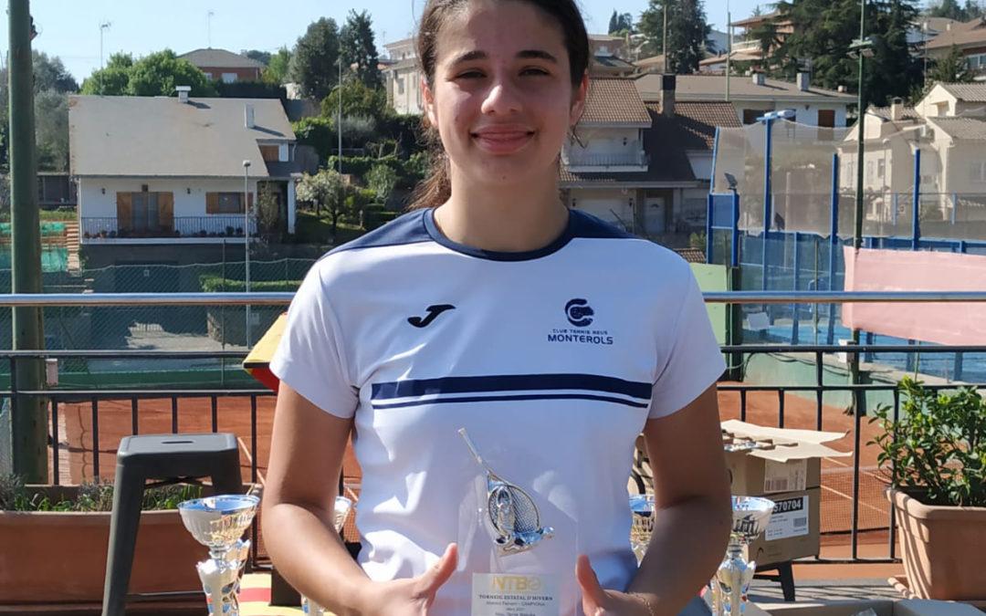 Àngela Pérez es proclama campiona de la màxima categoria absoluta femenina.